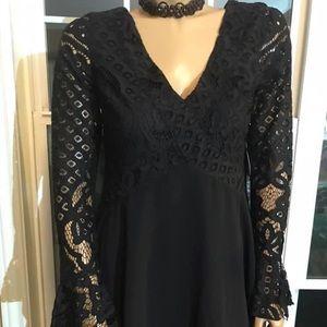 ‼️2/50.00 Tulurosa New Lace Dress